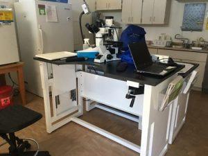 Bàn thí nghiệm để kính hiển vi tùy chỉnh thoải mái