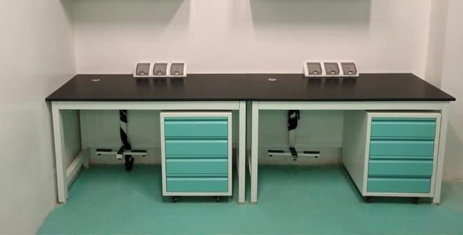 Làm thế nào để chọn đồ nội thất phòng thí nghiệm khi giá khác nhau?