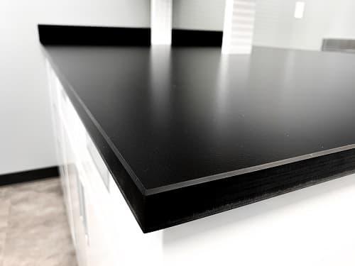 Ứng dụng tính năng kích thước độ dày mặt bàn thí nghiệm nhựa Phenolic