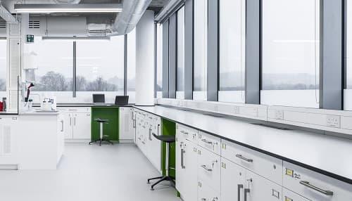 Dịch vụ thiết kế nội thất phòng thí nghiệm