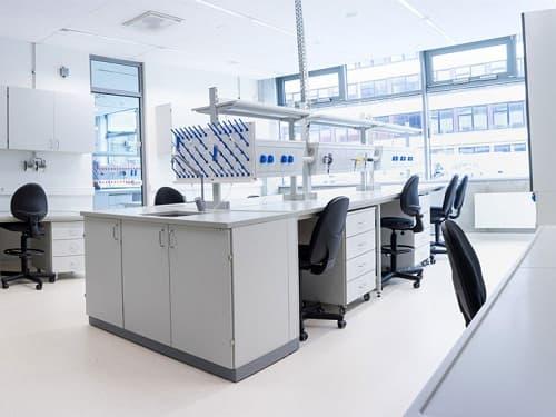 Nội thất phòng thí nghiệm chất lượng cao