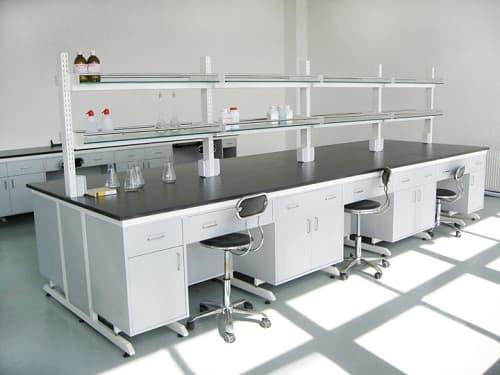 Trình tự lắp đặt tủ và mặt bàn thí nghiệm bằng đúng cách