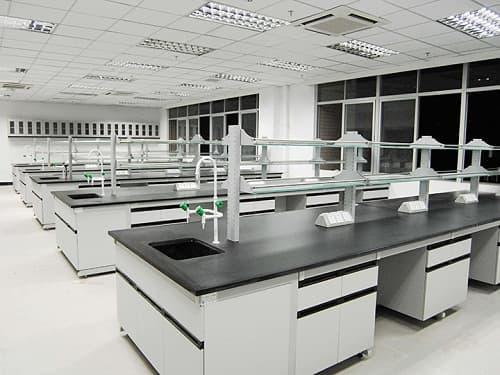 Vật liệu quyết định chất lượng bàn thí nghiệm trung tâm
