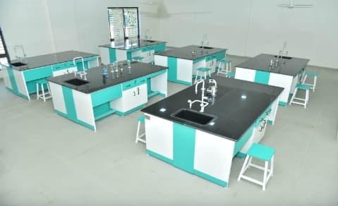 Lắp đặt mặt bàn thí nghiệm thạch anh phòng thí nghiệm